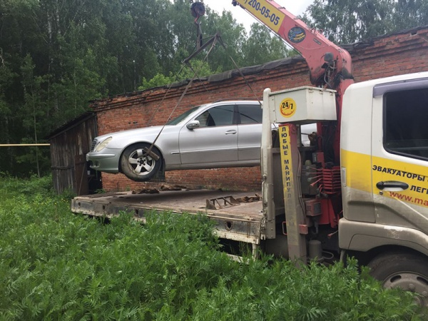 Mercedes, Мерседес, эвакуатор, машина|Фото: УФССП по СО