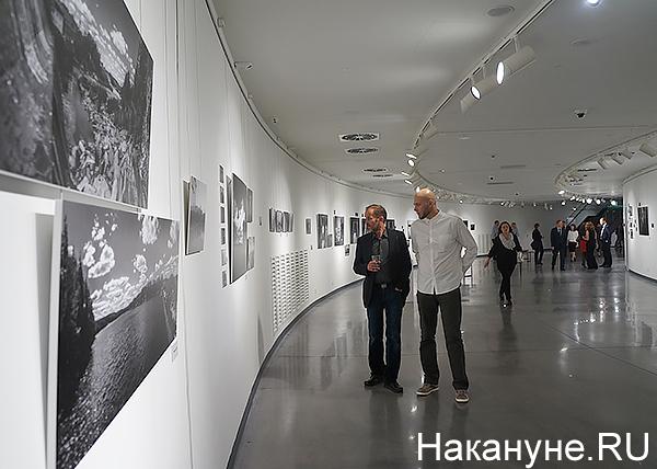 "фотовыставка ""ЗАСВЕТ"" Фото: Накануне.RU"