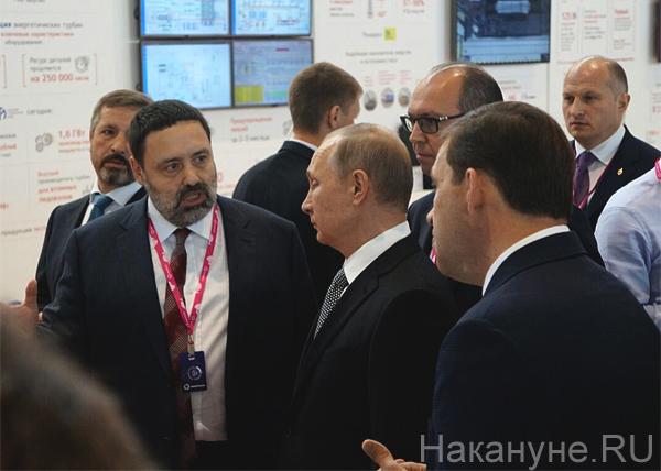 Путин, иннопром, Куйвашев, стенд Ренова Фото: Накануне.RU