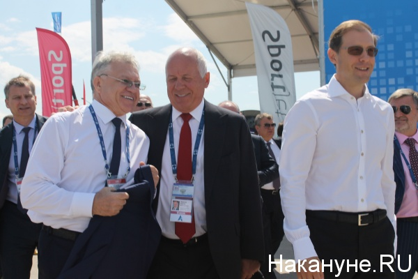 Сергей Чемезов, Денис Мантуров, МАКС-2017|Фото: Накануне.RU