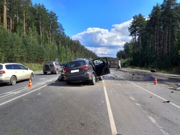 ДТП ЕКАД грузовик|Фото: ГИБДД Свердловской области
