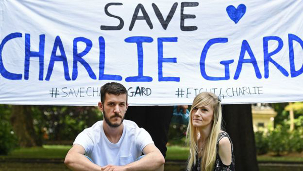 Чарли Гард, родители|Фото: bbc.com
