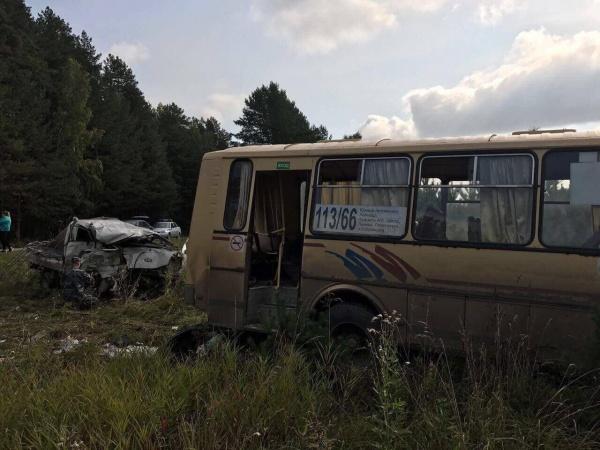 авария, ДТП, пассажирский автобус Фото: УГИБДД ГУ МВД России по СО
