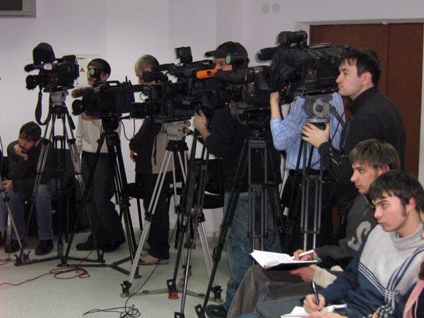 журналисты камеры пресс-конференция|Фото: Накануне.RU