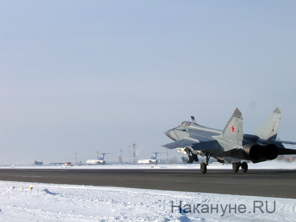 Пермская область, аэродром Большое Савино. Практические занятия  по перехвату воздушных целей с подъемом в воздух самолетов|Фото: Накануне.RU