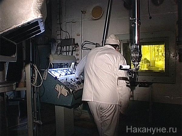 аэс, лаборатория, инженер, радиация, манипулятор(2004)|Фото: Фото: Накануне.ru