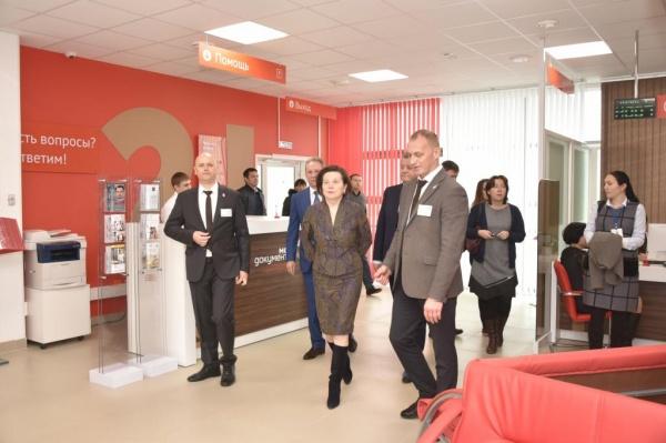 Наталья Комарова, открытие бизнес-центра, Нижневартовск|Фото: admhmao.ru
