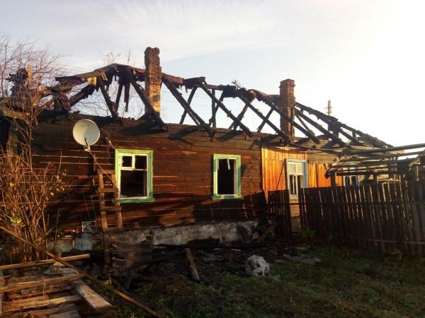 сгоревший дом Верхотурье|Фото: 66.мвд.рф