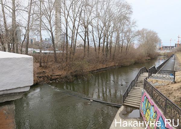 пруд рядом с телебашней, Екатеринбург|Фото: Накануне.RU