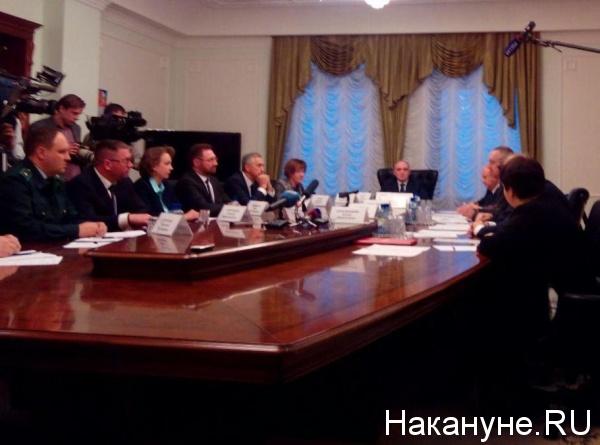 Борис Дубровский, встреча с активистами Стоп-ГОК|Фото: Накануне.RU