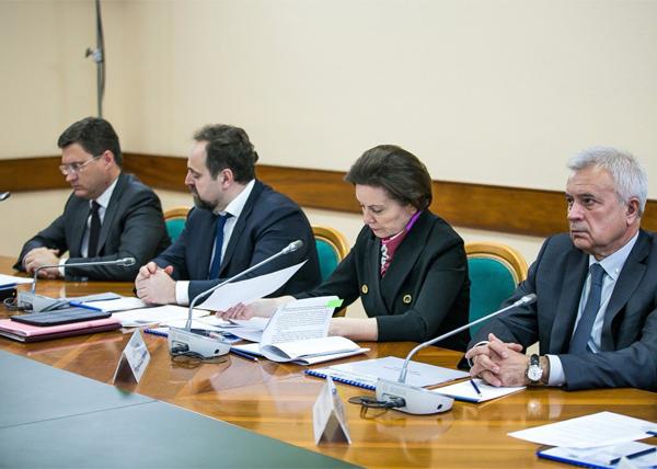 Новак, Донской, Комарова, Алекперов, совещание в Ханты-Мансийске(2017)|Фото: Пресс-центр Правительства Югры