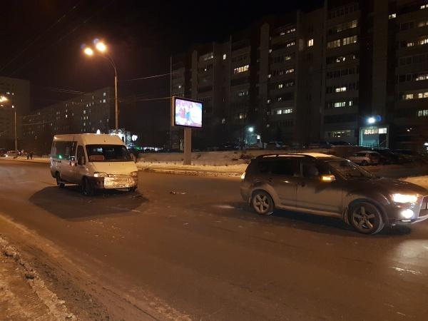 маршрутка ДТП Екатеринбург(2017) Фото: ГИБДД Екатеринбург