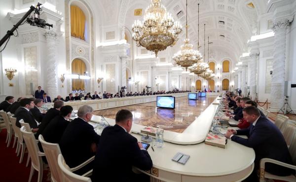 Заседание Госсовета по вопросам повышения инвестиционной привлекательности регионов(2017)|Фото: kremlin.ru