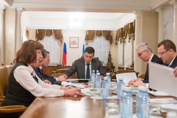 встреча Евгения Куйвашева и Александра Якоба(2018) Фото: Департамент информационной политики СО