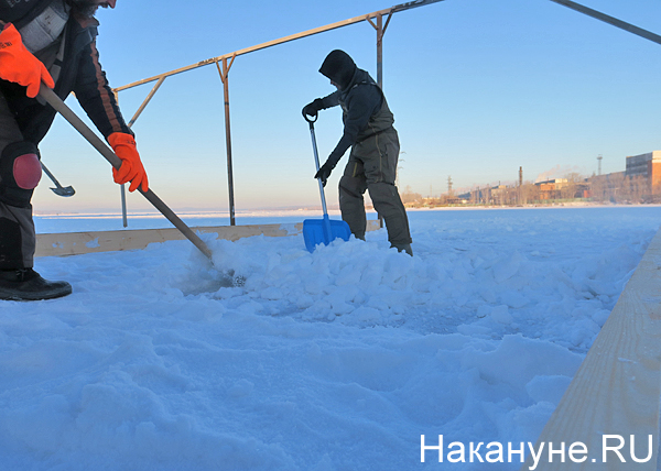 ВИЗ, прорубь, подготовка, крещение, снег(2018) Фото: Накануне.RU