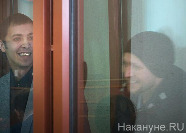 Беспорядки на Депутатской, подозреваемые, суд, Дмитрий Пестриков (слева)(2018)|Фото: Накануне.RU