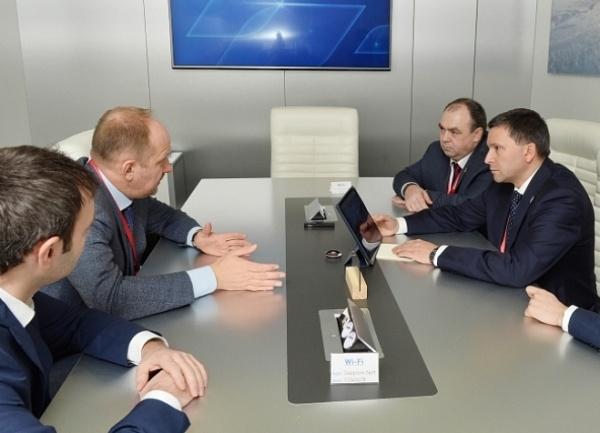 Дмитрий Кобылкин, Сергей Храмагин(2018)|Фото: правительство.янао.рф