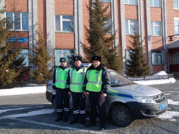 полицейские, экипаж, Курган, ГИБДД(2018) Фото:ГИБДД Курганской области