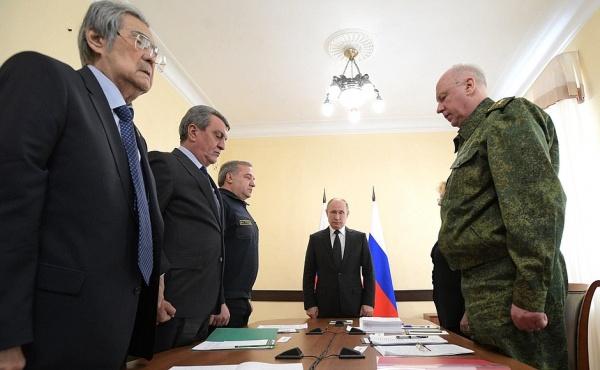 Тулеев, Меняйло, Путин, Басытркин(2018) Фото: kremlin.ru