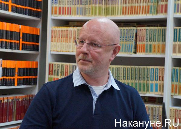 Дмитрий Goblin Пучков: Общество придет в себя тогда, когда начнут ставить памятники Сталину 25.04.2018