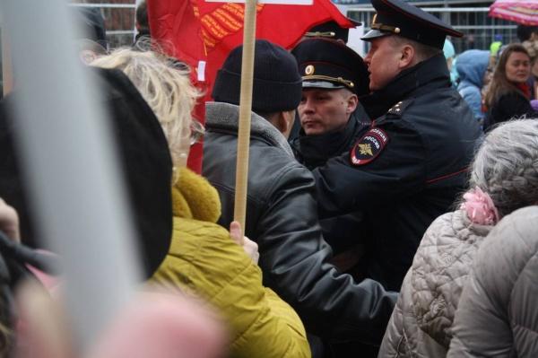 Пермь запрет Знамени Победы(2018) Фото: rossaprimavera.ru