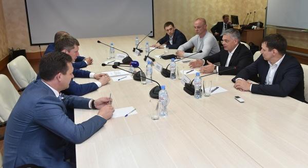 Максим Решетников, встреча с президентом Федерации гандбола России(2018)|Фото: Правительство Пермского края