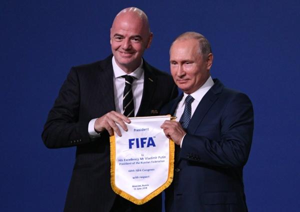 Владимир Путин, Джанни Инфантино, конгресс ФИФА(2018) Фото: пресс-служба президента России