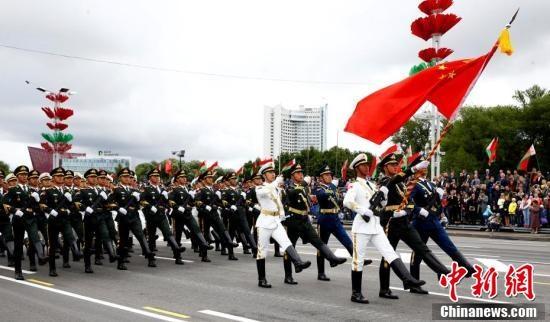 Солдаты почётного караула НОАК в Минске(2018)|Фото: chinanews.com