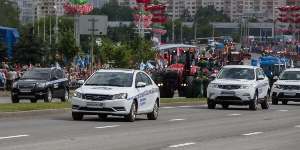 Автомобили, собранные на белорусско-китайском заводе на параде в Минске(2018)|Фото: auto.onliner.by