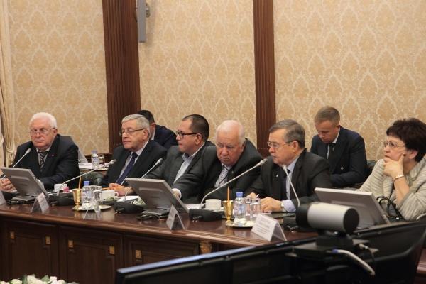 Встреча с профсоюзными лидерами(2018) Фото: admtyumen.ru, Валерий Бычков