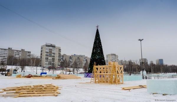 строительство ледового городка, эспланада(2018)|Фото: Администрация Перми, Виталий Кокшаров