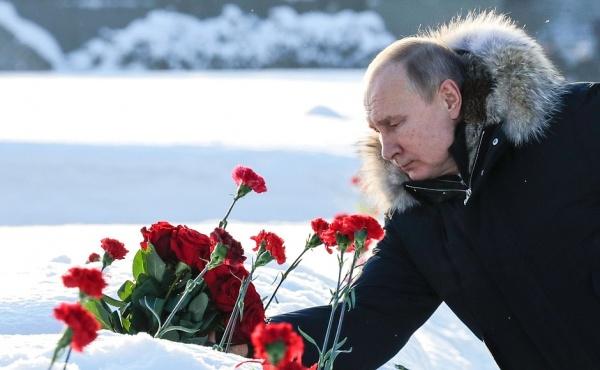 Владимир Путин, цветы(2019)|Фото:kremlin.ru