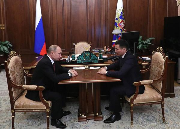 Владимир Путин, Бату Хасиков(2019)|Фото: kremlin.ru