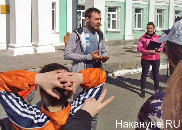 Антон Шипулин, зарядка с детьми(2019)|Фото: Накануне.RU