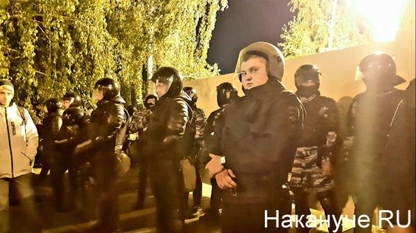 митинг против строительства храма в сквере у Театра драмы, Екатеринбург(2019) Фото: Накануне.RU