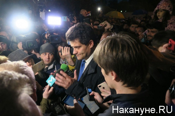 Александр Высокинский, сквер у драмтеатра(2019) Фото: Накануне.RU