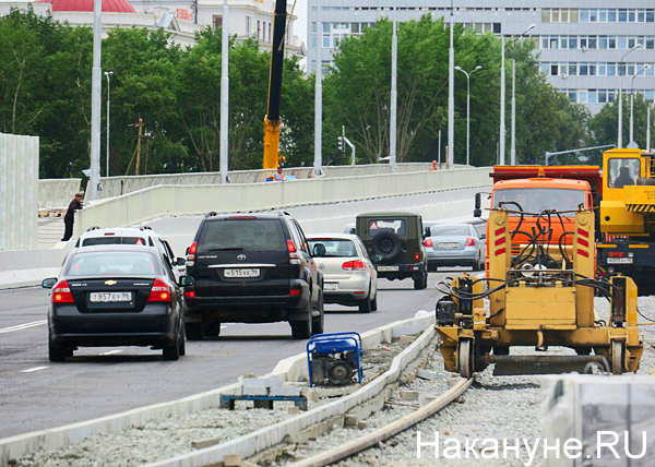 Макаровский мост, машины(2019)|Фото: Накануне.RU
