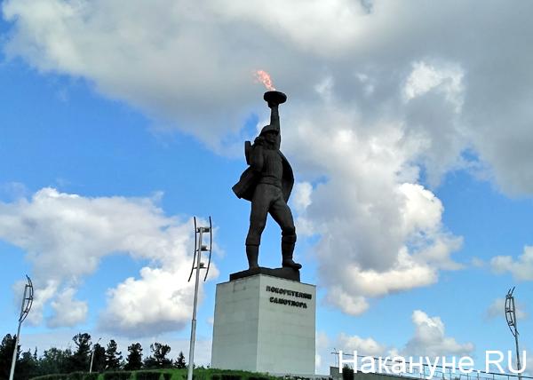 Памятник покорителям Самотлора в Нижневартовске(2019)|Фото: Накануне.RU