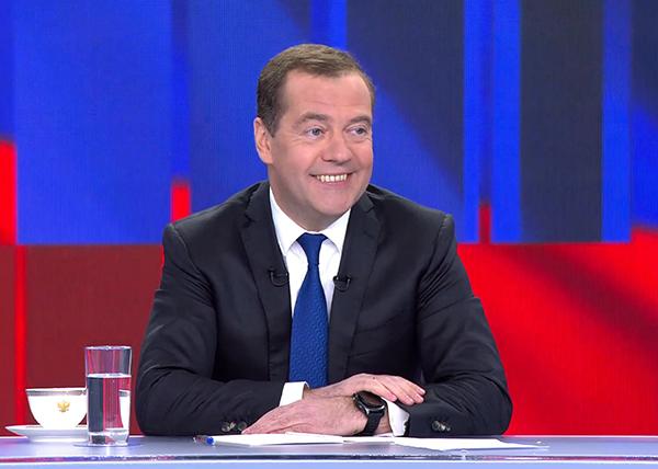 Телеинтервью премьер-министра России Дмитрия Медведева(2019)|Фото: youtube.com