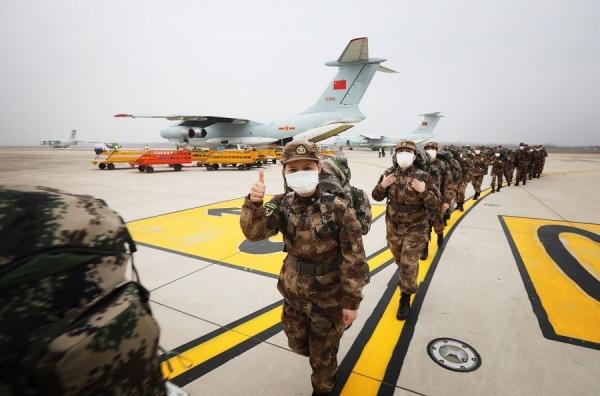 Военные медики НОАК отправляются в Ухань(2020)|Фото: china.com