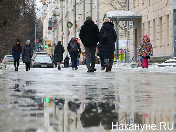 Дорога рядом с оперным театром, дорога на улице Ленина(2020) Фото: Накануне.RU