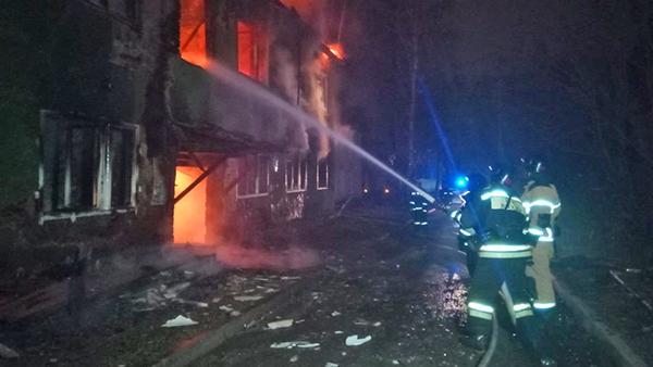 Пожар на ул. Шефская в Екатеринбурге(2020) Фото: ГУ МЧС России по Свердловской области
