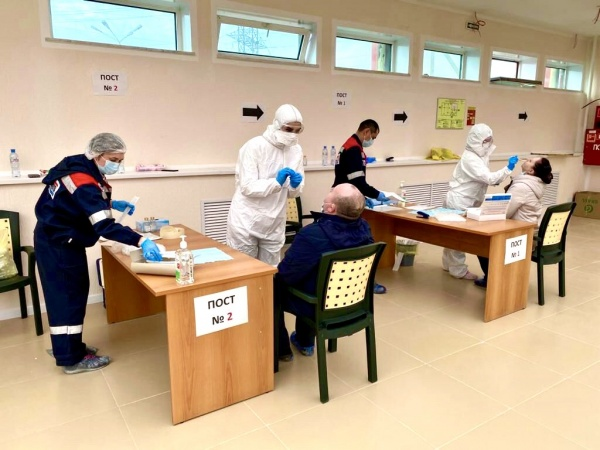 Вахтовики, тестирование на коронавирус, Славнефть-Мегионнефтегаз(2020)|Фото: Славнефть-Мегионнефтегаз