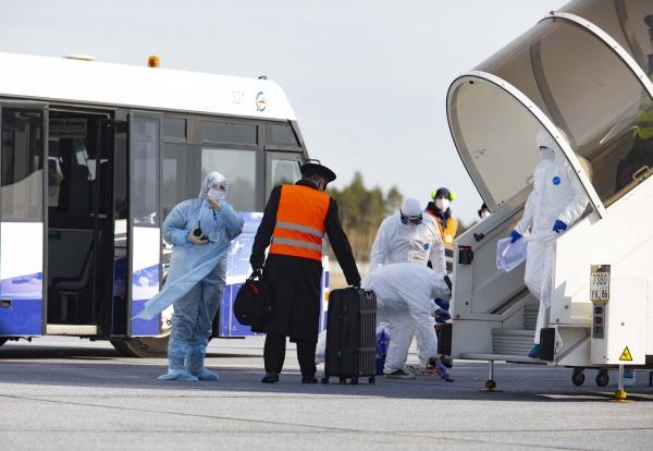 Встреча в аэропорту, вывозной рейс, туристы, Сургут(2020)|Фото: Администрация Нижневартовска
