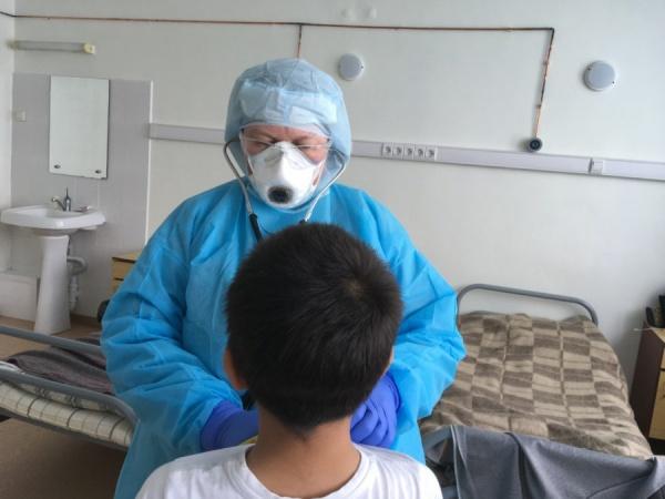 коронавирус, врач, ребенок-пациент(2020)|Фото: Управление здравоохранения Екатеринбурга