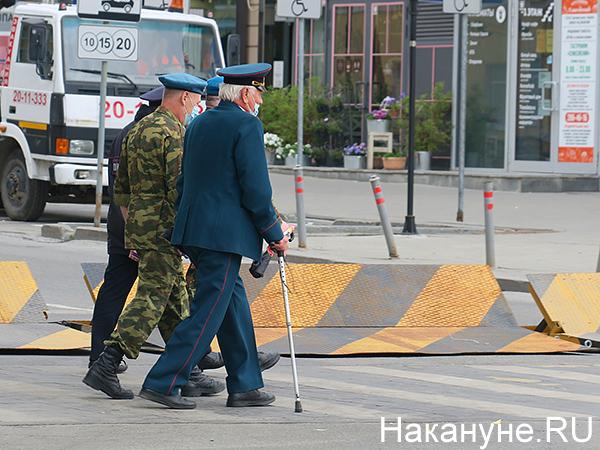 ветеран, парад Победы в Екатеринбурге(2020)|Фото: Накануне.RU