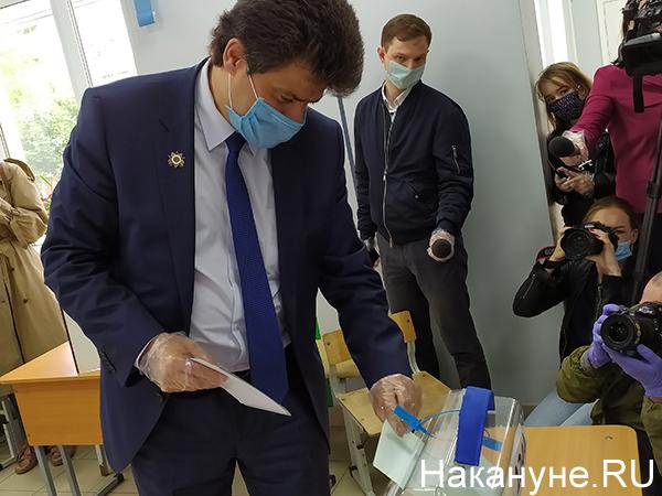 Александр Высокинский на голосовании по поправкам в Конституцию РФ(2020)|Фото: Накануне.RU