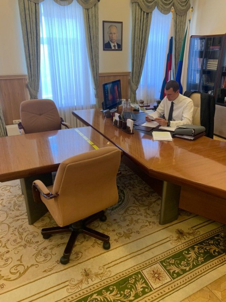 Михаил Дегтярев в кабинете губернатора Хабаровского края.(2020) Фото: t.me/Degtyarev_Info