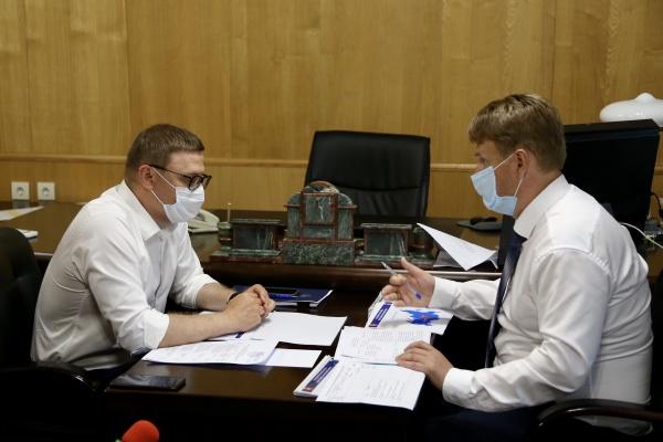 губернатор Алексей Текслер, глава Озерска Евгений Щербаков,(2020) Фото: пресс-служба губернатора Челябинской области