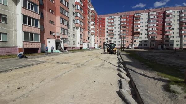двор, благоустройство, трактор, дорожки(2020)|Фото: пресс-служба администрации Сургутского района